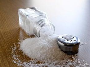como substituir o sal na comida