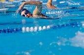 natação emagrece e perde barriga