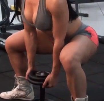 agachamento sumo squat