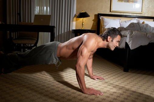 Flexão de braços no chão
