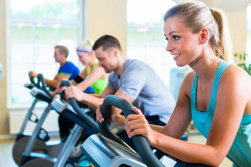 Spinning benefícios aula bike emagrece