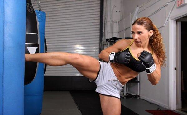 Muay Thai benefícios no emagrecimento feminino
