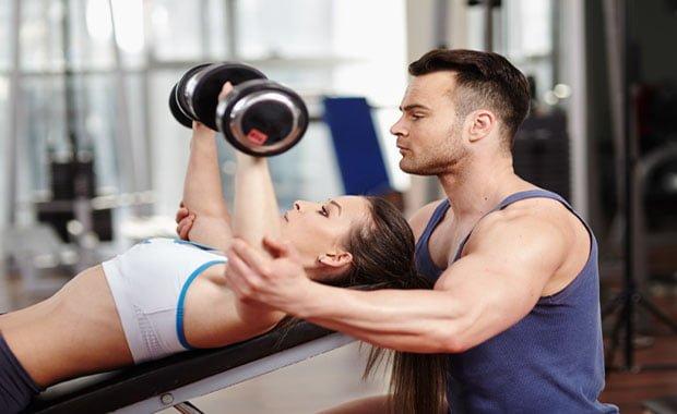 iniciante na musculação precisa saber antes de começar a treinar academia