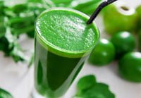smoothie verde desintoxicante e emagrece