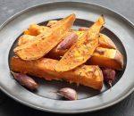 7 receitas de batata doce assada no forno e no micro-ondas